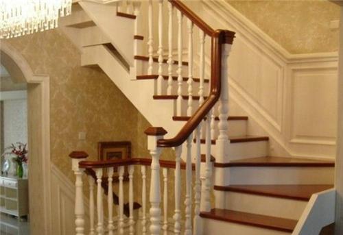 阁楼小楼梯如何设计 常见的阁楼小楼梯样式图片