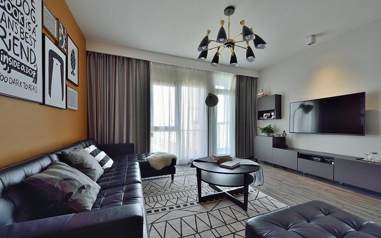 20万半包三居室装修客厅窗帘图片