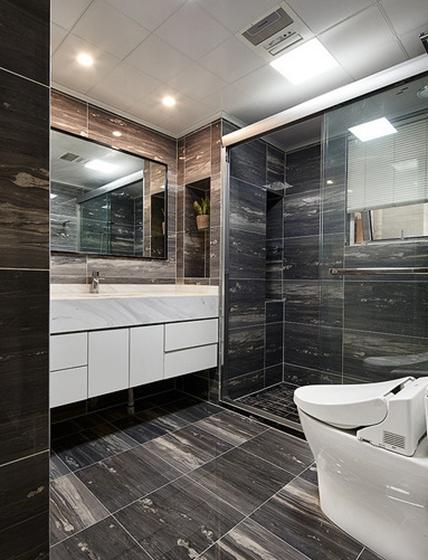 现代简约三居室卫生间效果图