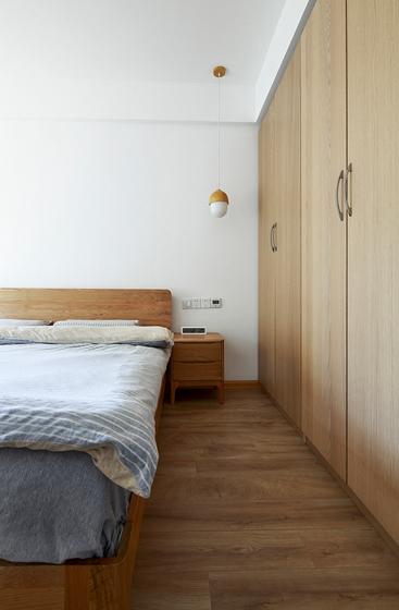 90平日式风格两居室装修整体衣柜图片