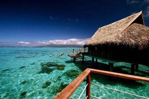 印度尼西亚的巴厘岛也是非常有名的旅行地