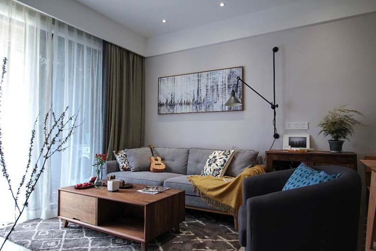 110平简约风格三居室客厅窗帘图片