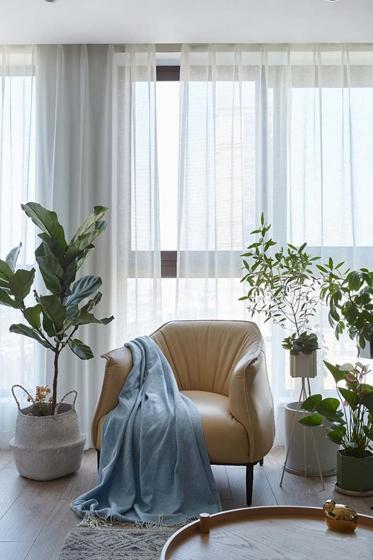 北欧风格三居室装修客厅窗帘图片