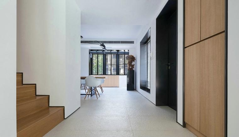 台式风格别墅装修楼梯效果图