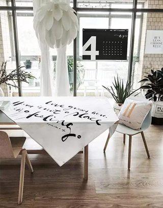 餐桌上的桌布  10款休闲餐厅装修设计图4/10