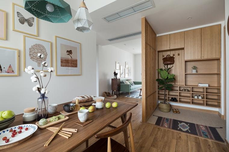现代原木风三居室装修餐厅效果图