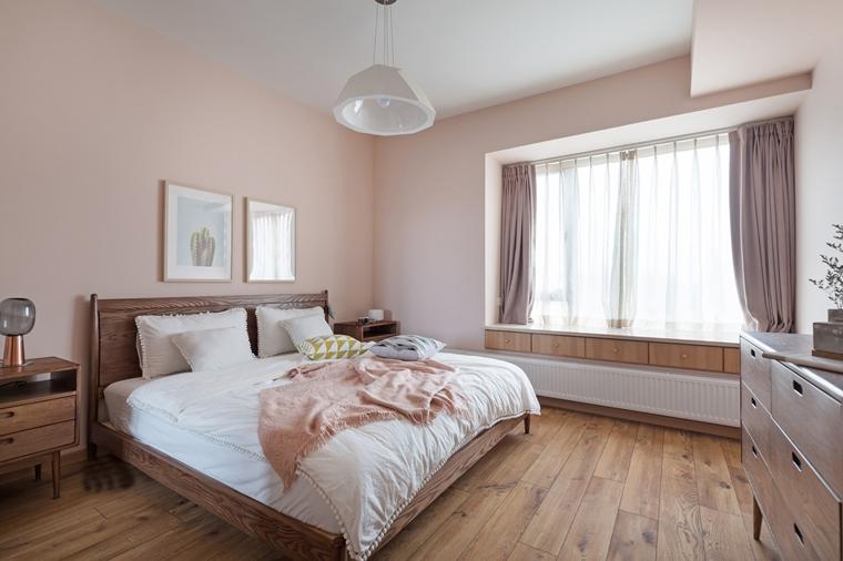 现代原木风三居室装修卧室装潢图
