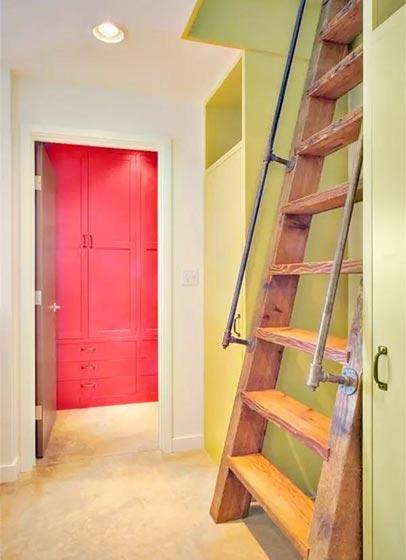 阁楼楼梯构造图片