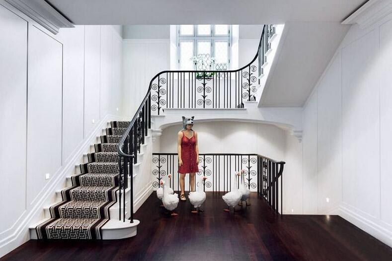 资讯 学堂 装修施工 施工流程 正文  会有人在别墅楼梯设计一个门窗