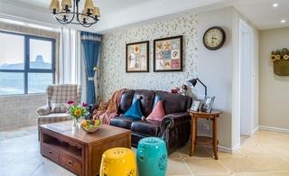 110平三居室装修客厅效果图