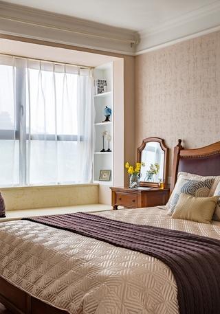 110平三居室装修卧室效果图