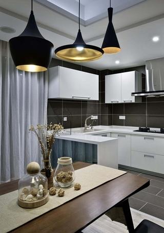 120平现代简约风格装修餐厅吊灯图片