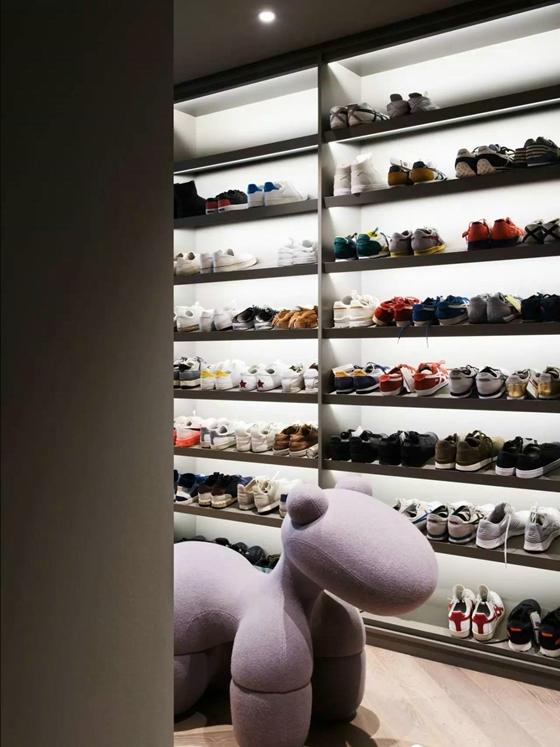 工业风格公寓装修鞋柜图片
