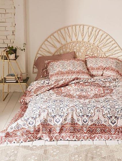 卧室布艺床设计构造图