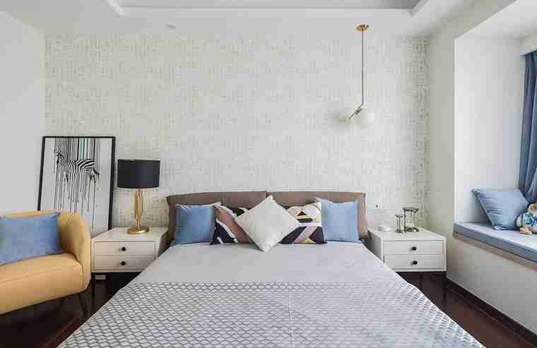 温润如玉的三居室装修小卧室装潢图