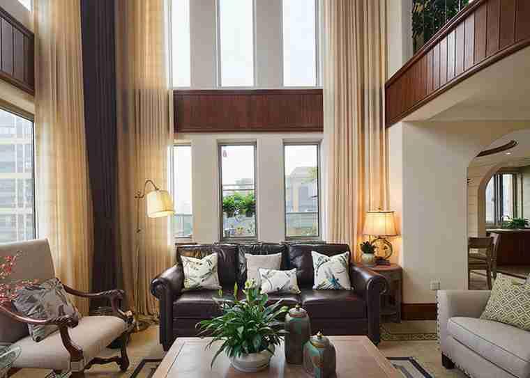 温馨有品味的别墅装修客厅窗帘