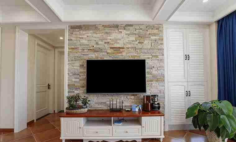 120平三居室装修电视背景墙