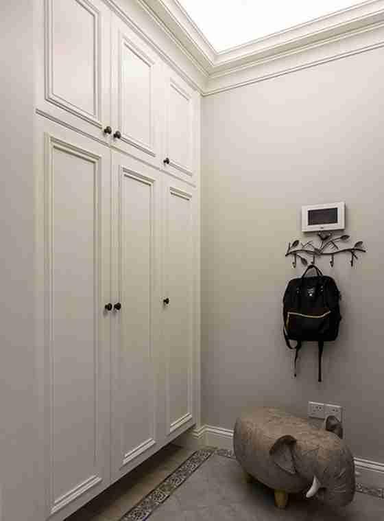 90平三居室装修整体衣柜