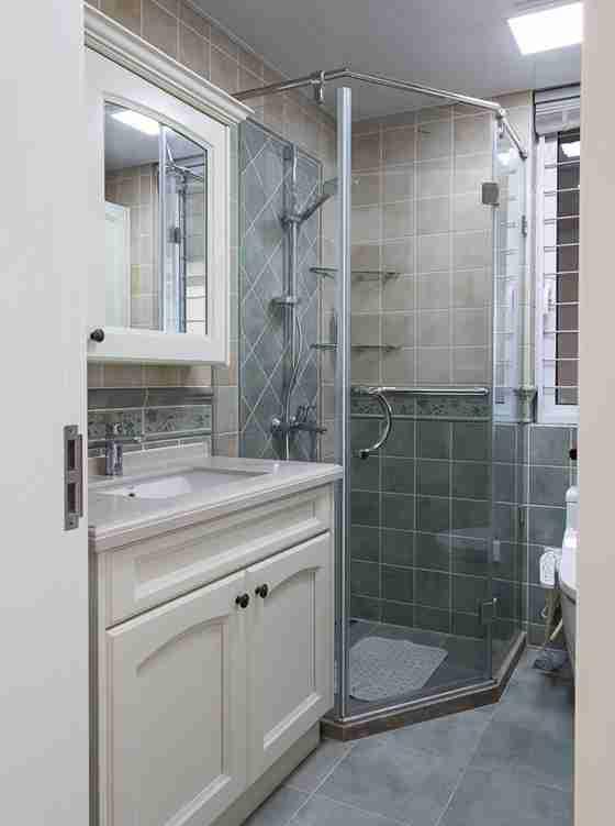 90平三居室装修卫生间效果图