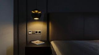 120平简约风格装修卧室壁灯