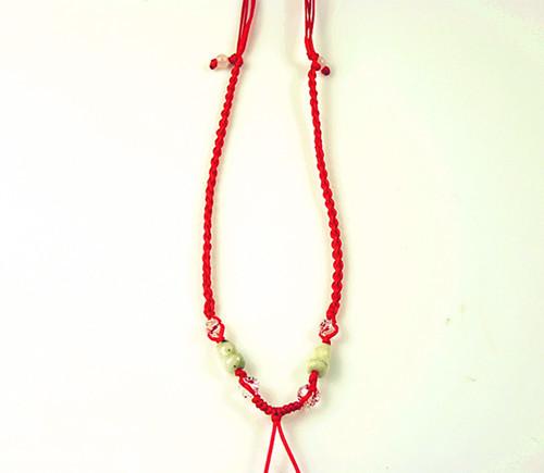 红绳项链编法图解 戴红绳寓意什么