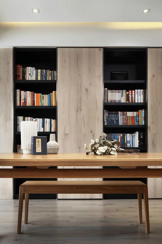 超酷复式房装修书架图片