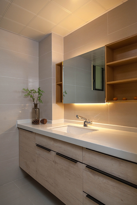 100平清新三居室装修卫生间效果图