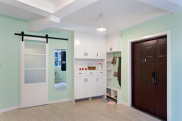 清新两居室装修玄关鞋柜图片