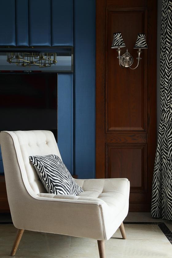 时尚两居室装修单人沙发图片