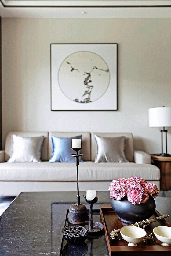 新中式装修让家更温馨客厅装饰画