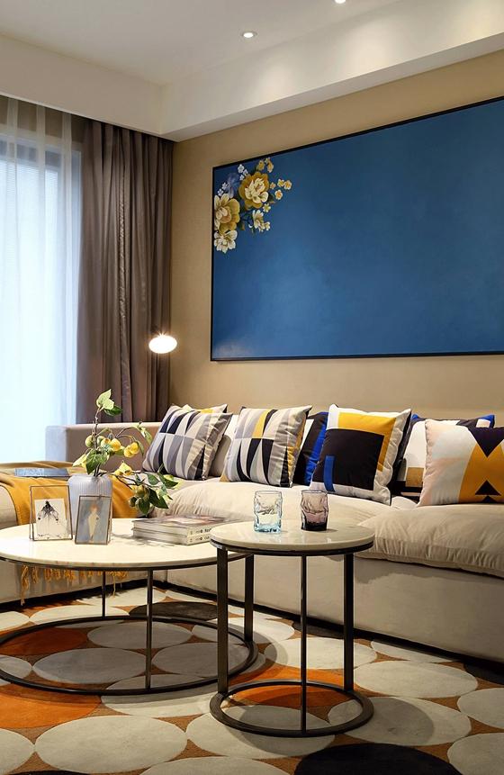 轻盈跳跃的三居室装修布艺沙发图片