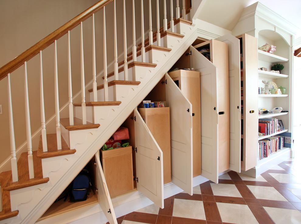 楼梯空间别浪费 楼梯收纳好看又实用