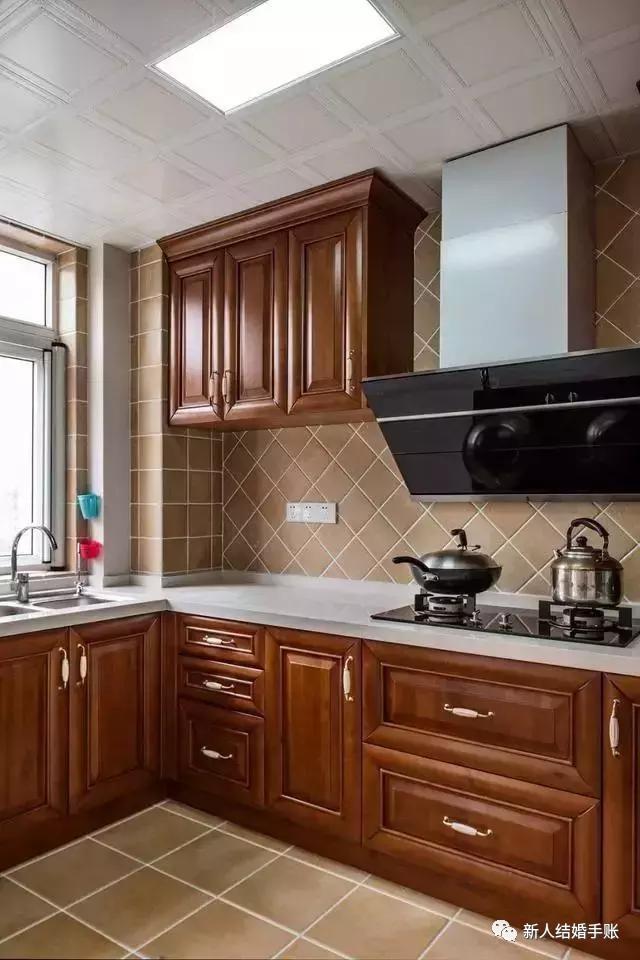 厨房,实木橱柜 大理石台面,高端大气上档次!图片
