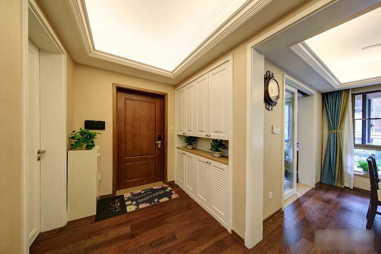 8万搞定120平两居室装修玄关图片