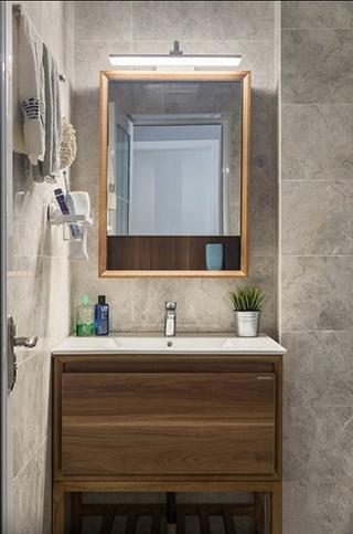 魅力飘窗两居室卫浴间效果图