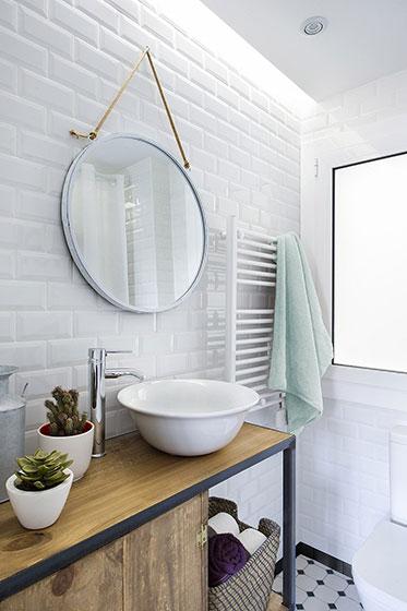 巴塞罗那两居室装修浴室效果图