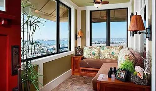阳台装修效果图,复古风格的瓷砖还带有一种新古典的气息,把墙面粉刷成