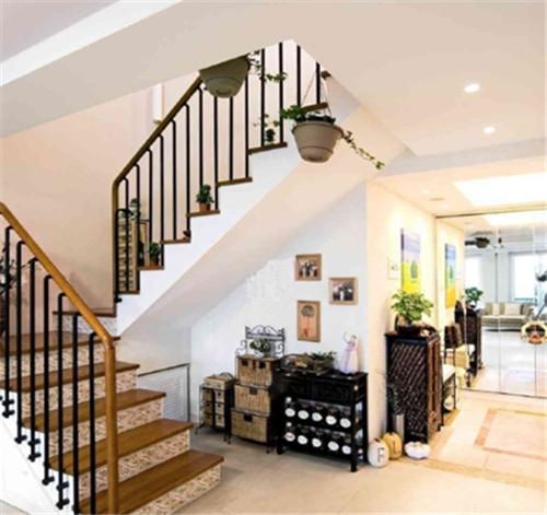 小户型跃层楼梯装修图片 90平小跃层楼梯装修丝毫不能图片