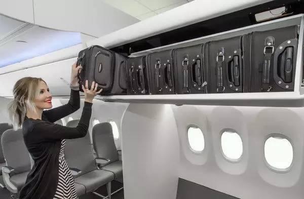 上飞机行李箱尺寸规定 飞机上携带行李须知
