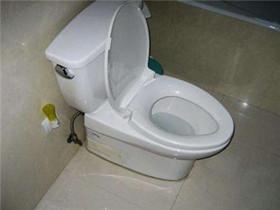 马桶漏水是什么原因  马桶漏水的解决办法有哪些