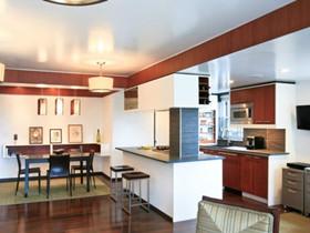 厨房与餐厅隔断装修效果图 巧妙设计将空间区分