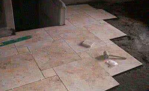 怎样贴地板砖又快又好 初学者贴地砖要怎么铺
