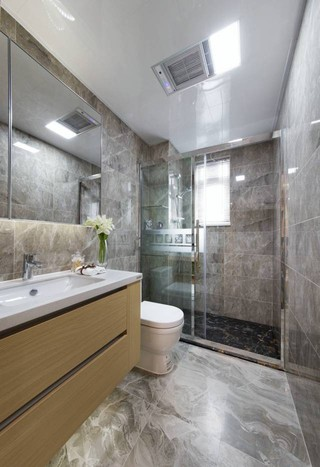 现代轻奢样板间卫生间装修效果图