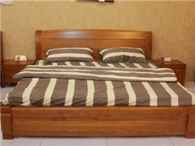 水曲柳实木家具有什么特点 实木家具该如何正确保养
