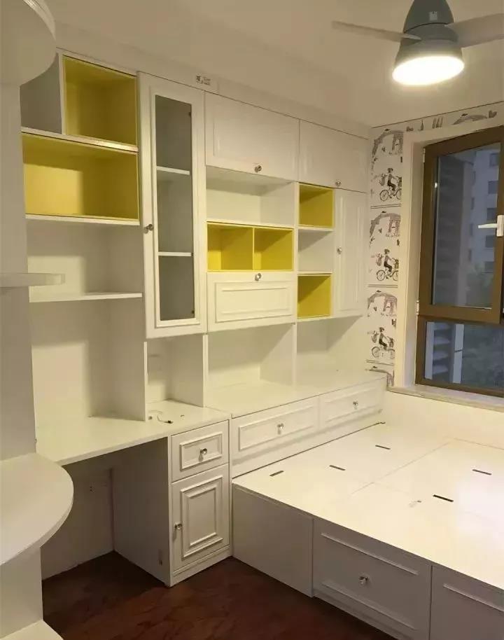 榻榻米的床尾怎样装?衣柜,书柜还是组合柜?