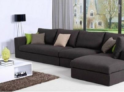 灰色沙发搭配沙发垫_2018沙发搭配全攻略-紫苹果装饰