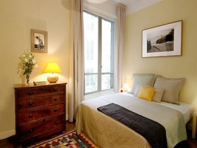 卧室窗帘用什么颜色好 卧室窗帘该如何选择