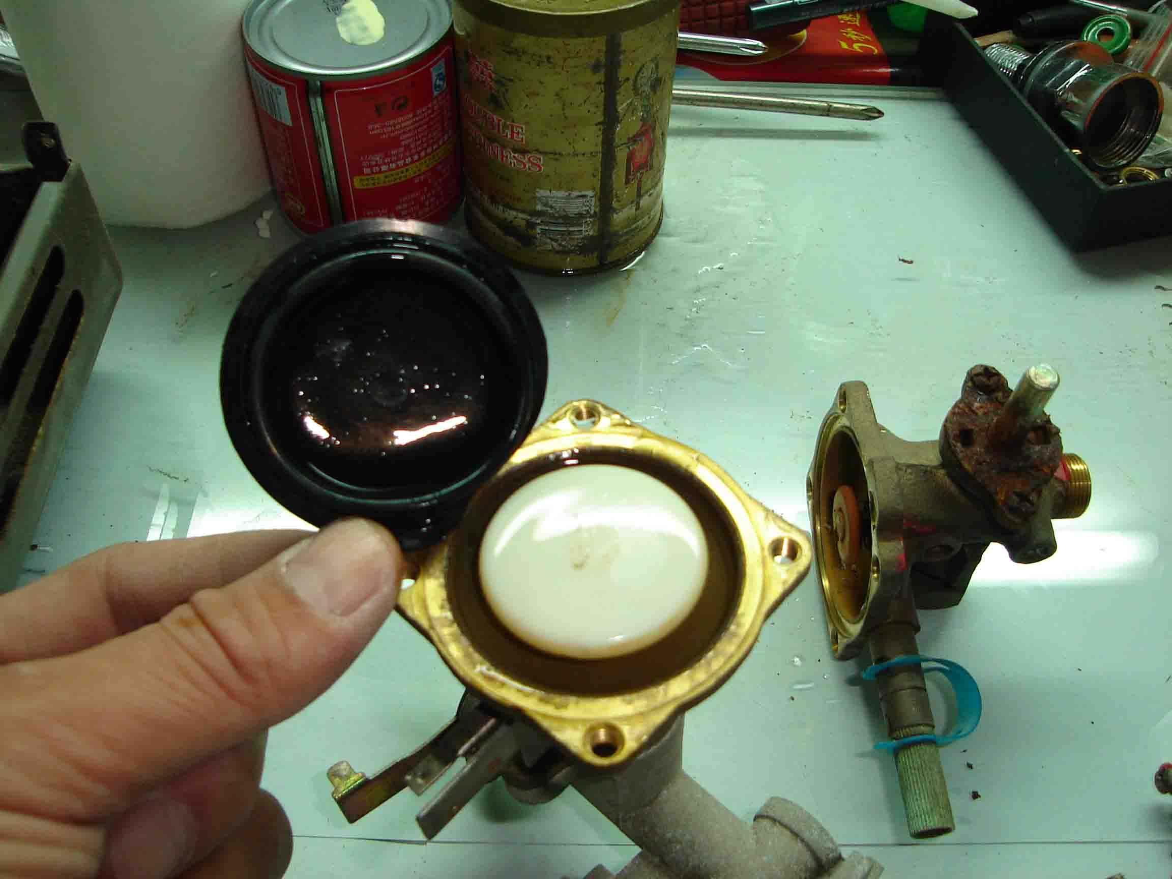热水器打不着火的原因有很多 解决方法也不少图片