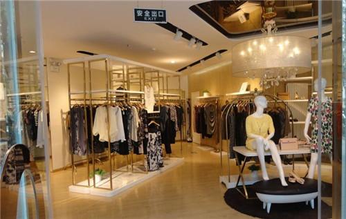小型服装店装修效果图女装 彰显女装店铺独特魅力