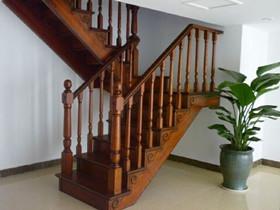 楼梯扶手高度多少合适 标准楼梯扶手高度是多少